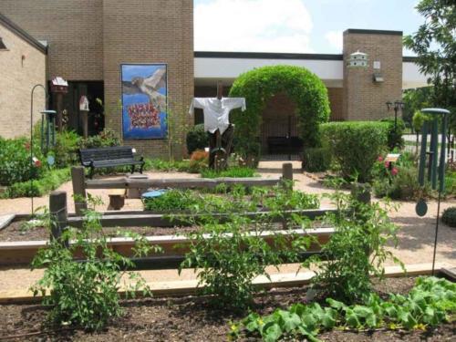 prestonwoodforestud hancock elementary school sensory garden 5